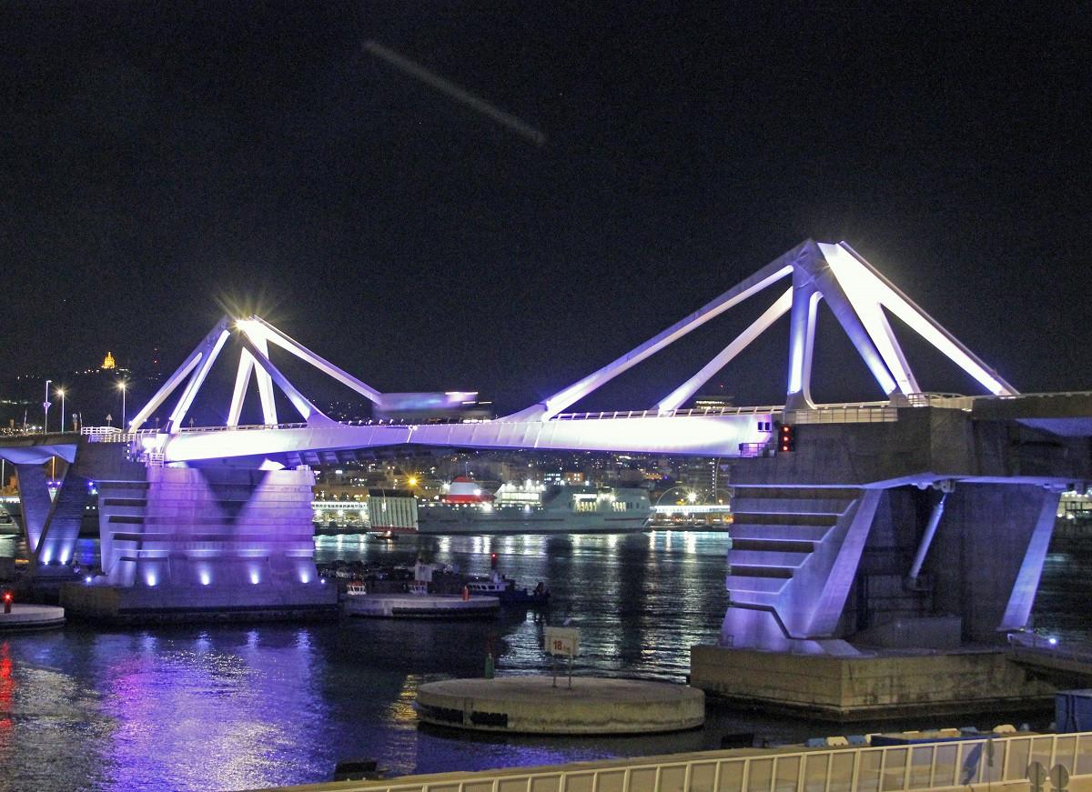 PuertodeBarcelonaPontPortaEuropa