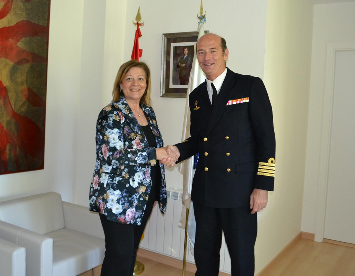 Vilagarcia visita comandante naval vigo