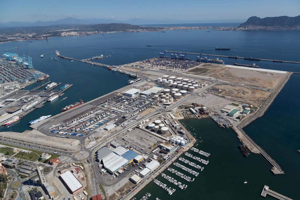 Puerto de Algeciras   Isla Verde Exterior 1