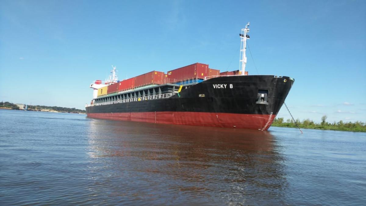Boluda transporte fluvial