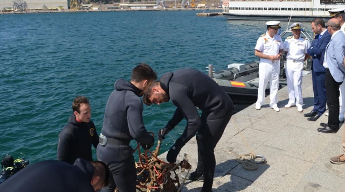 Cartagena y armada limpiando