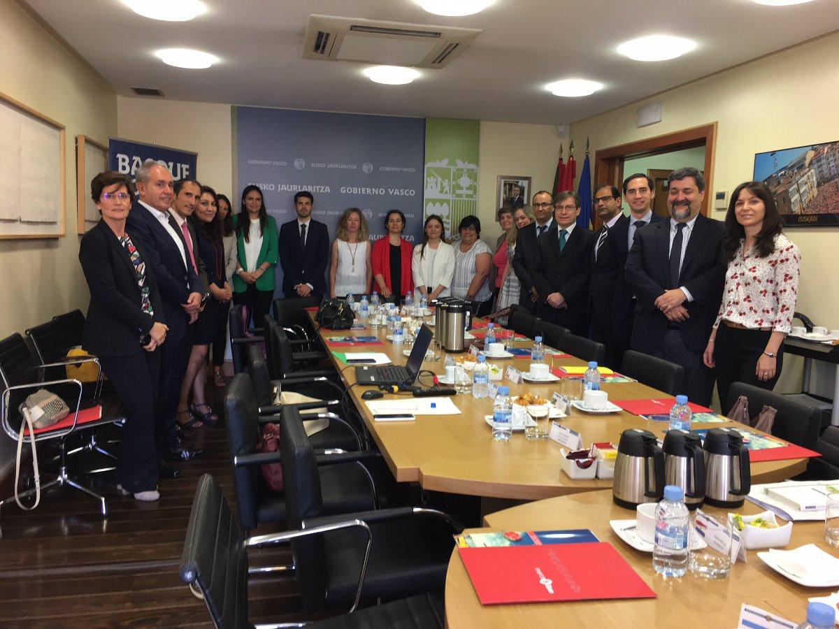 Puerto de Bilbao   Reunion embajadores productos