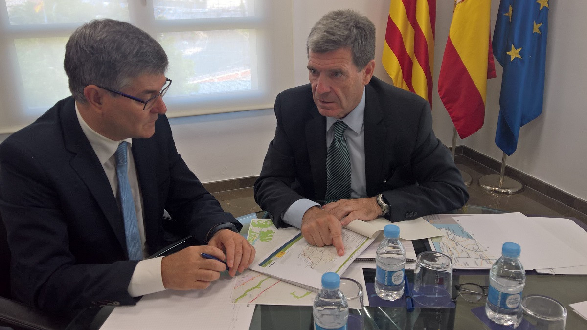 Valenciaport   Vicente Guillu00e9n y  Aurelio Martu00ednez durante la reuniu00f3n mantenida