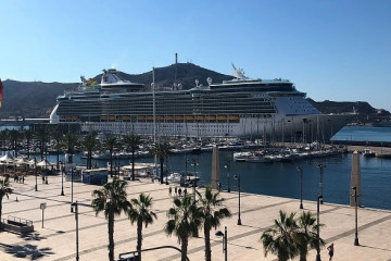 Puerto de Cartagena   Independence of the seas