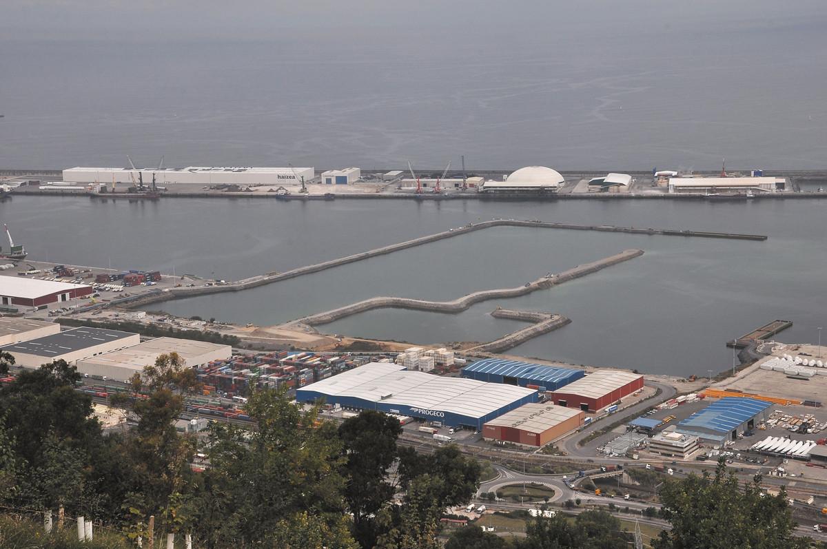 Puerto de Bilbao   espigu00f3n central