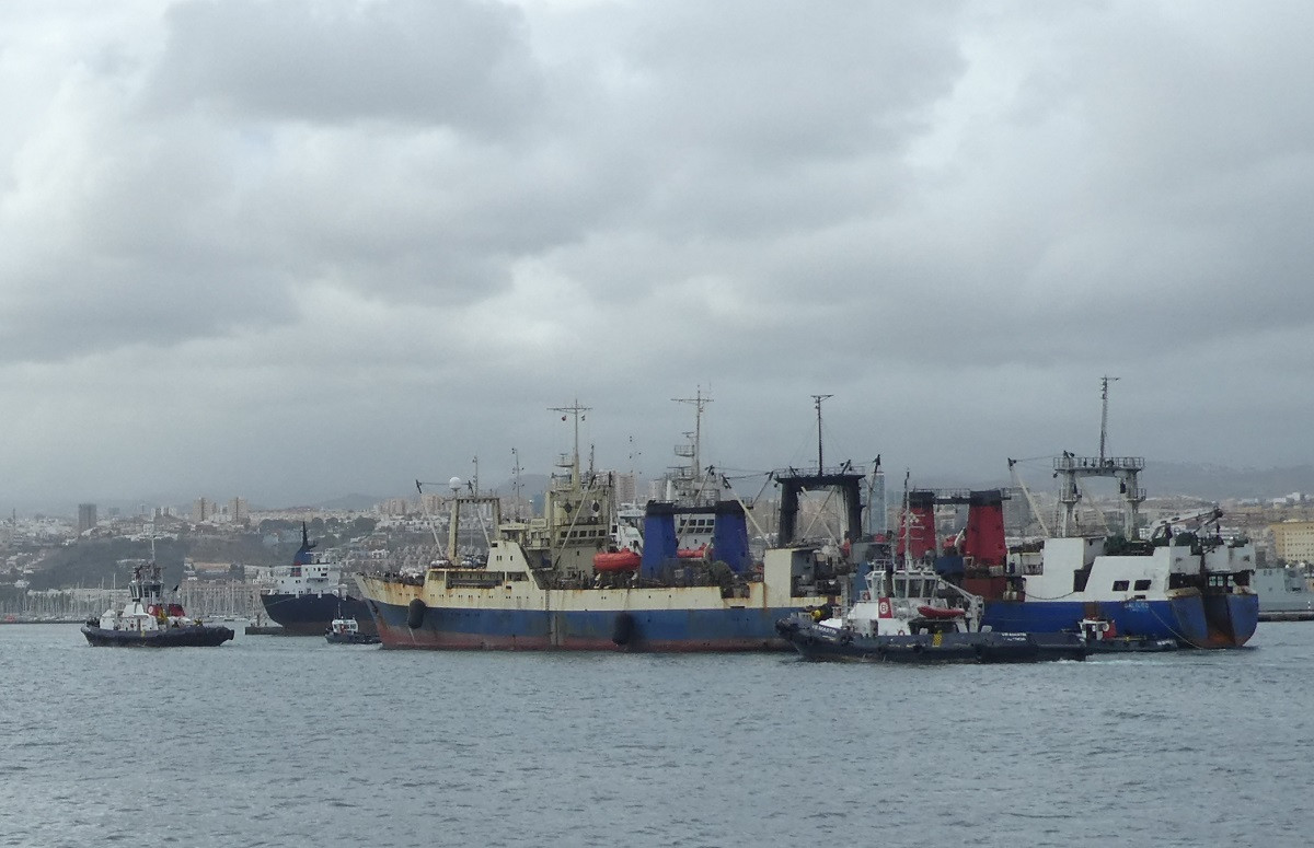 Puertos de Las Palmas   Remolque   Boluda