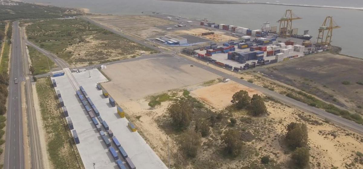 Puerto de Huelva   tren madrid mini (2)