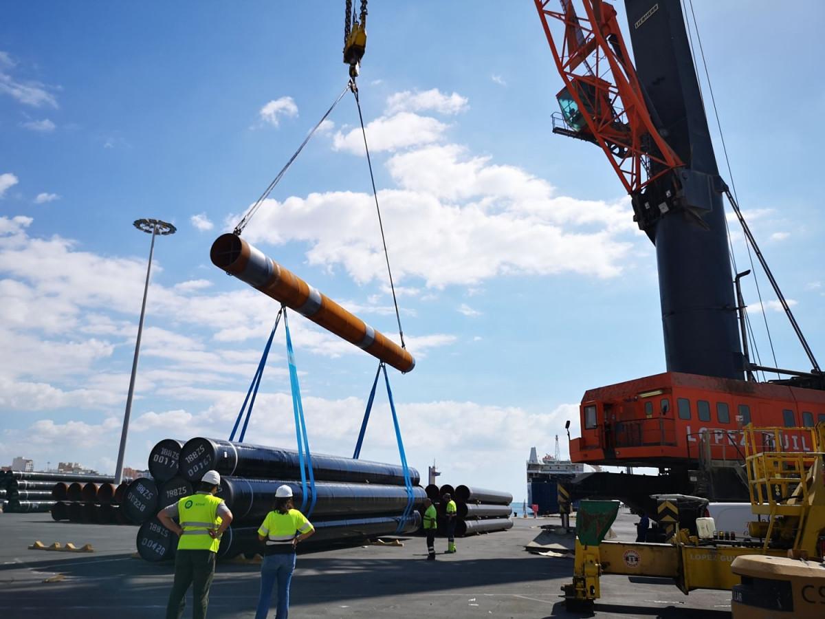 Puerto de Almeru00eda   Descarga tubos