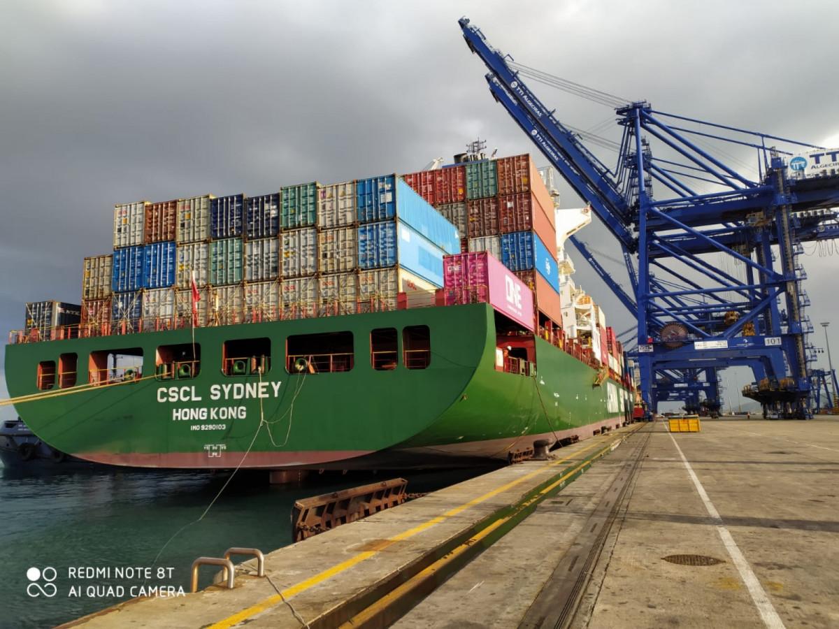CSCL Sydney en puerto Algeciras 1